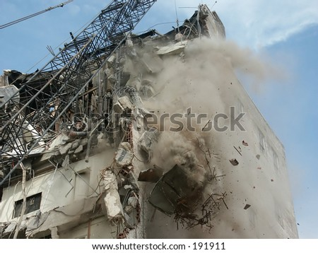 la demolición de un edificio 2