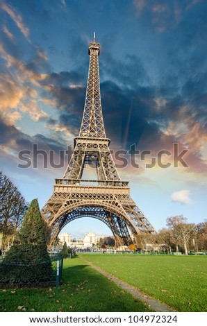 La Tour Eiffel Symbol of Paris, France
