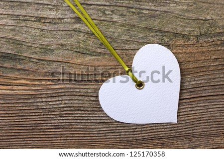 Label on wooden ground/label/wood