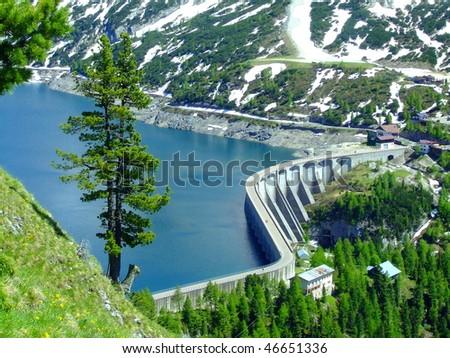 Lago di fedaia in Italien Dolomites
