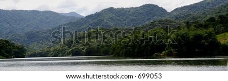 Lago dos Bocas in Puerto Rico