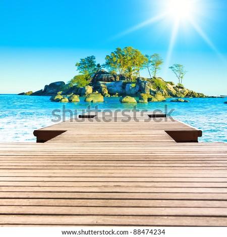 Lagoon Rock  Sunshine Exotic