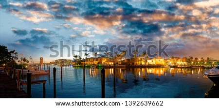 Lake Boca Raton and city skyline with reflections at sunset, panoramic view. Foto stock ©