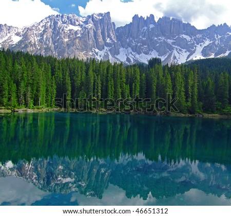lake Karersee in Italien Dolomites