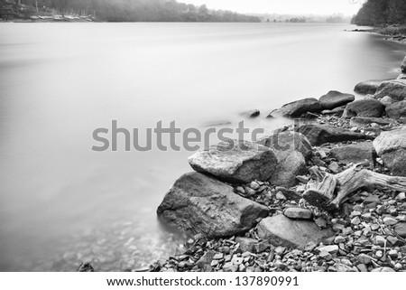 lake shore line black and white