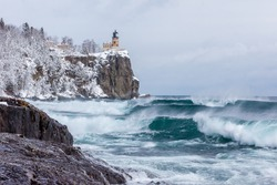 Lake Superior waves roll onto the shoreline at Split Rock Lighthouse