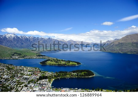 Lake Wakatipu with Queenstown in the foreground, New Zealand.