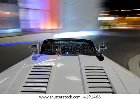 lamborghini gallardo spyder moving at night