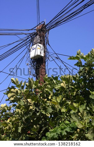 Lamppost and wire