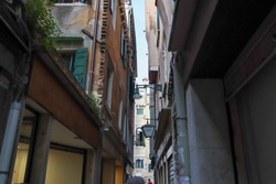 lampposts and windown in venice