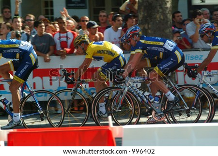 Lance Armstrong on Champs Elysees in Paris 2004