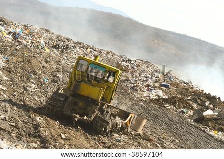 stock-photo-landfill-38597104.jpg