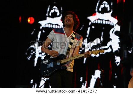 LANDGRAAF - JUNE 1: Snow Patrol performs at Pinkpop on June 1, 2009 in Landgraaf, Netherlands