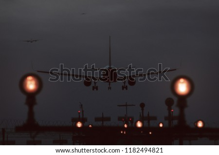 Free photos A light aircraft landing  | Avopix com