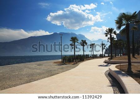 landscape Itali lago di Garda mountain blue sky road palm