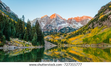 Landscape photo of Maroon bell at Colorado. in Aspen Colorado autumn season.