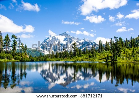 Landscape reflection Mount Shuksan and Picture lake, North Cascades National Park, Washington, USA