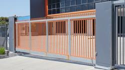 Large automatic commercial sliding gate