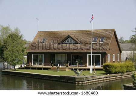 large bungalow on the norfolk broads