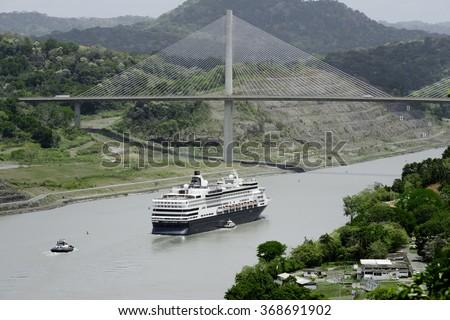 Large cruise ship passing under Panama\'s Centennial Bridge, Panama Canal