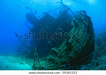 Large shipwreck from the stern #39365323