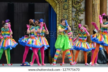 LAS PALMAS, SPAIN - FEBRUARY 10: Unidentified children from Colegio Las Meas, from Canary Islands, onstage during Children's Costume and Murgas, on February 10, 2013 in Las Palmas, Spain
