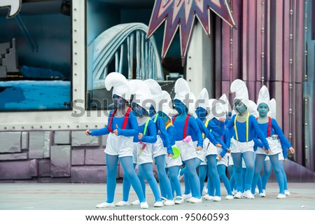 LAS PALMAS, SPAIN - FEBRUARY 12: Unidentified children from Danza Suleica Borges, from Canary Islands, perform during The Children's Costume Competition on February 12, 2012 in Las Palmas, Spain