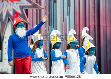 LAS PALMAS, SPAIN - FEBRUARY 12: Unidentified children from Tenesor Semidan,  from Canary Islands, perform during The Children's Costume Competition on February 12, 2012 in Las Palmas, Spain