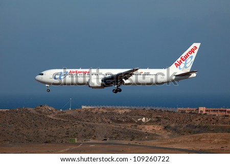 LAS PALMAS, SPAIN - OCTOBER 6: An Air Europa Boeing 767 on approach on October 6, 2011 in Las Palmas, Spain. Air Europa is a Spanish airline. It was founded in 1986 and operates with 40 aircraft.