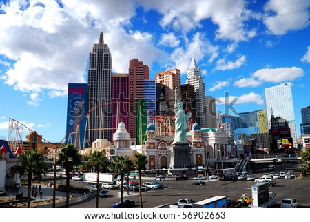 LAS VEGAS - MAR 4: New York-New York hotel casino creating the impressive New York City skyline with skyscraper towers and Statue of Liberty replica on March 4, 2010 in Las Vegas, Nevada.