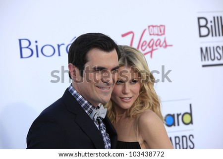 LAS VEGAS - MAY 20: Julie Bowen, Ty Burrell at the 2012 Billboard Music Awards held at the MGM Grand Garden Arena on May 20, 2012 in Las Vegas, Nevada