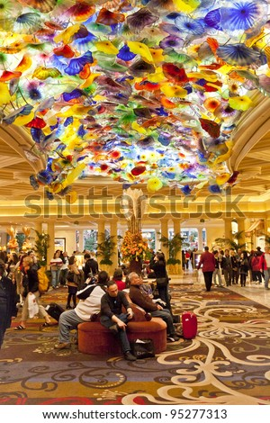 LAS VEGAS - NOVEMBER 20: Bellagio lobby with artwork on November 20, 2011 in Las Vegas. Chandelier called Fiori di Como is comprised of 2,000 hand-blown glass blossoms by glass sculptor Dale Chihuly.