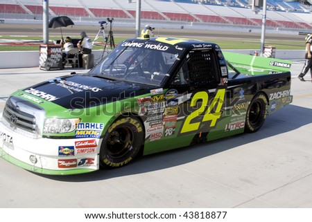 LAS VEGAS - SEPTEMBER 26: Driver David Starr qualifies for the Sept 26, 2009 Las Vegas 350 Camping World truck race.