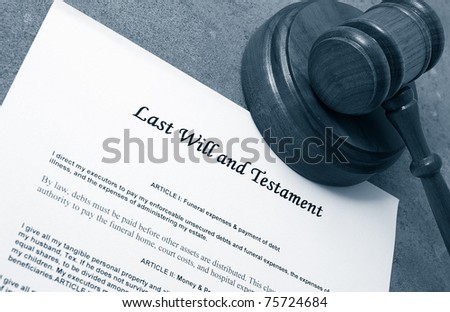Last Will document and judge's legal gavel