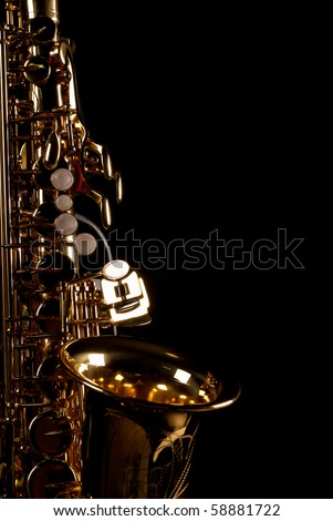 Lateral take of a golden alto saxophone