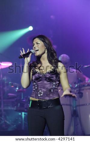 Latin concert by belgian spanish singer Belle Perez