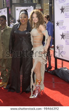 LATOYA JACKSON (right) & MO'NIQUE at the 3rd Annual BET (Black Entertainment TV) Awards at the Kodak Theatre, Hollywood. June 24, 2003  Paul Smith / Featureflash