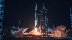 Launch Pad Complex: Successful Rocket Launching with Crew on a Space Exploration Mission. Flying Spaceship Blasts Flames and Smoke on a Take-Off. Humanity in Space, Conquering Universe