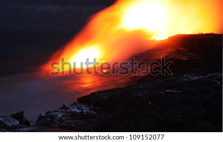 Lava entry in to the ocean at night (Puhi-o-Kalaikini at Big Island, Hawaii)