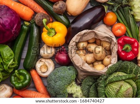 Layflat composition of fresh organic vegetables Foto d'archivio ©