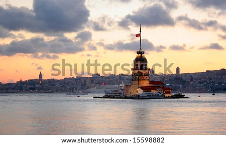 Leanders Tower on front of Istanbul silouette