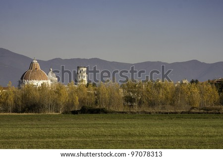 Leaning Tower of Pisa. Landscape view.