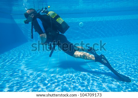 Learning To Scuba Dive In A Swimming Pool Stock Photo 104709173 Shutterstock