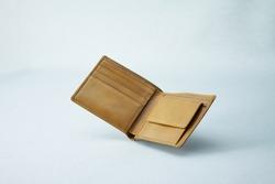 Leather men's bifold wallet