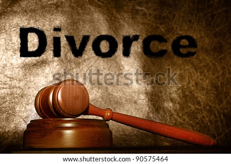 legal gavel and divorce text