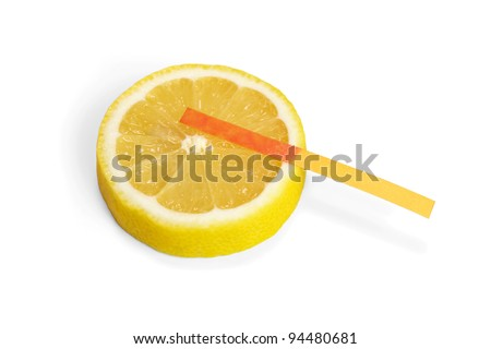 Lemon acid reaction - litmus paper red