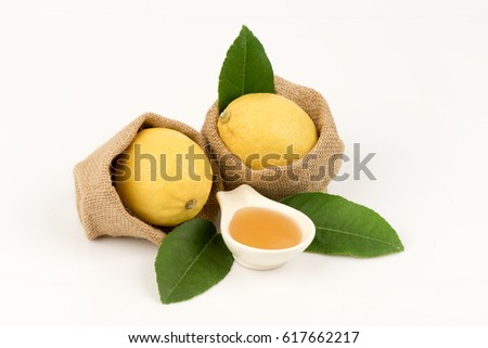 Shutterstock Lemon (Citrus limon (L.) Osbeck) Fruits and honey have property medicine.