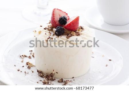 Lemon Sherbet with Fruits