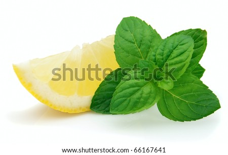 Lemon slices with peppermint
