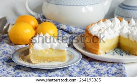 lemon tart with merengue